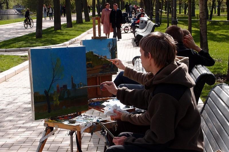 Художники и мольберты