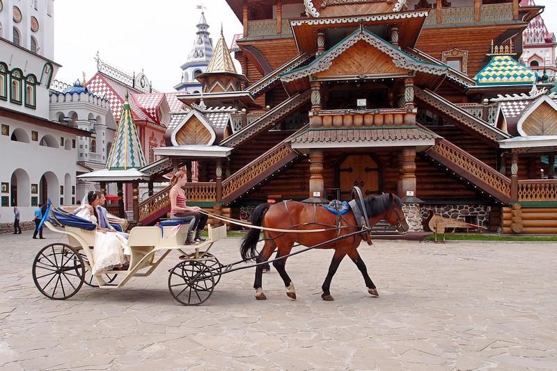 Катание на лошадях в День свадьбы