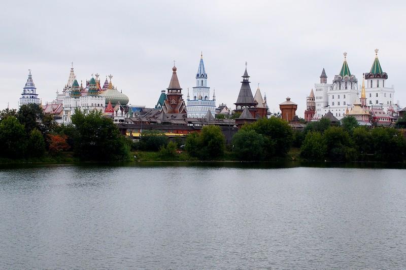 Кремль и Вернисаж