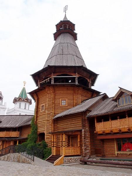 Башня из дерева