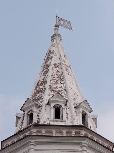 Крыша и флюгер