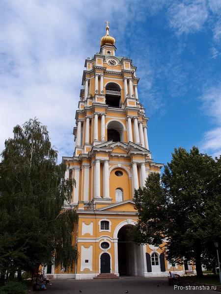 Одна из самых высоких колоколен Москвы