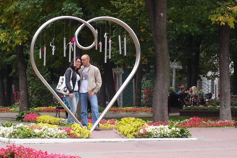 Памятник всем влюбленным