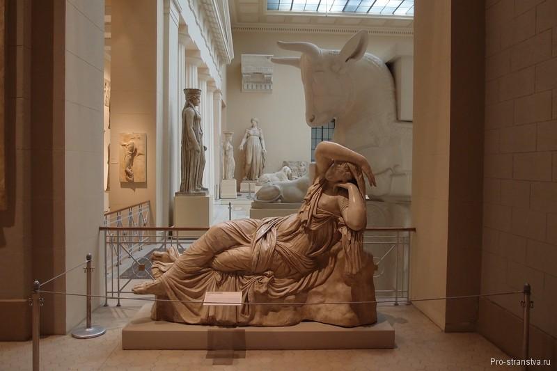 Спящая Ариадна в Греческом зале