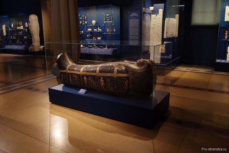 Древнеегипетский деревянный саркофаг