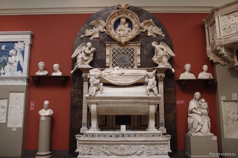 Надгробие кардинала Португальского