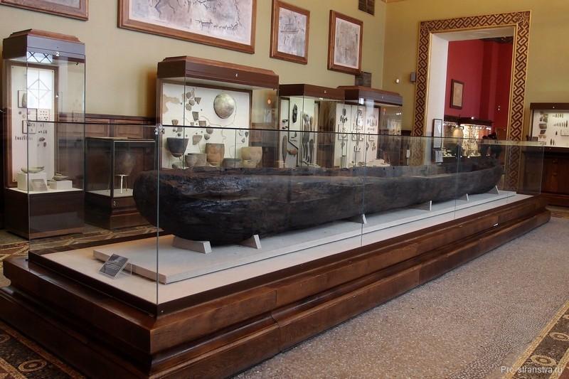 Экспонат в зале музея