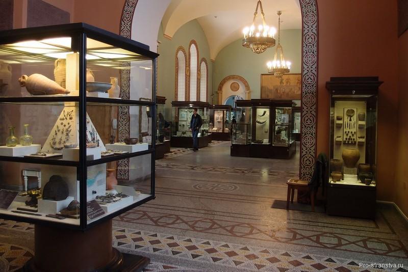 Залы и витрины в Историческом музее