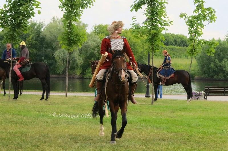 Лучник на коне