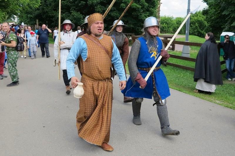 Средневековые солдаты
