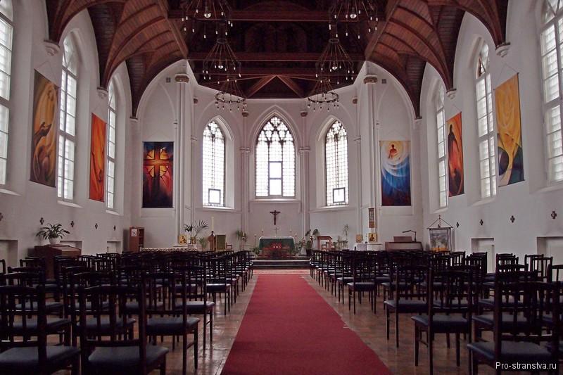 Зал для богослужений в соборе