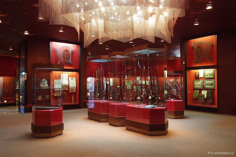 Зал в Тульском музее оружия