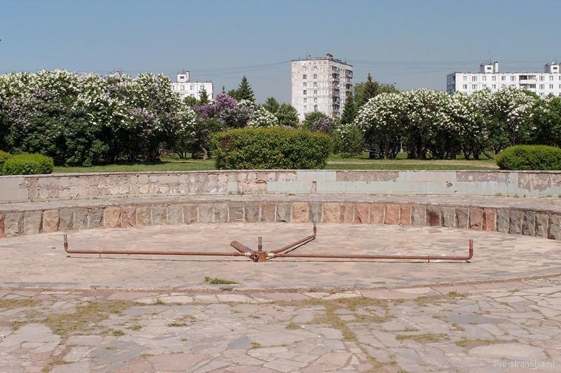 Разрушенный фонтан